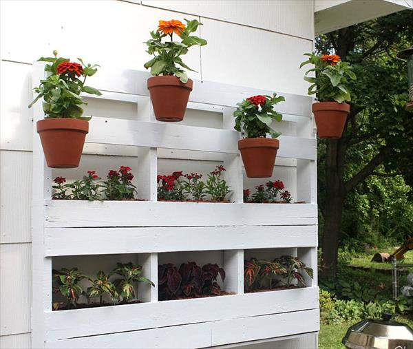 DIY Cool Pallet Planters