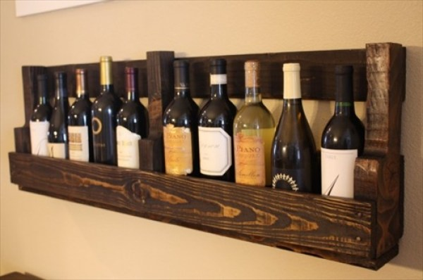 DIY Wine Pallet Shalves