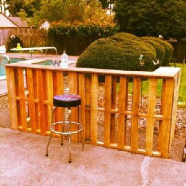 DIY recycling old wooden pallets