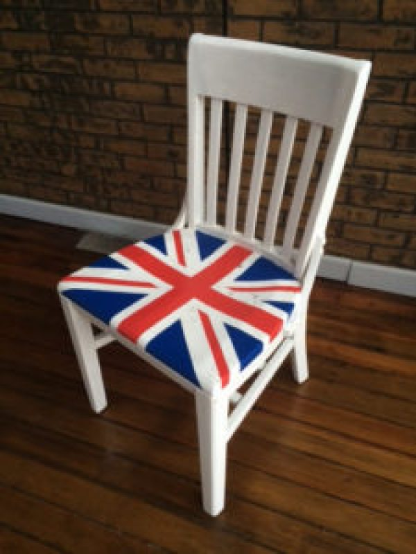 DIY pallet British flag Chair