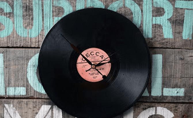 DIY Music Clock