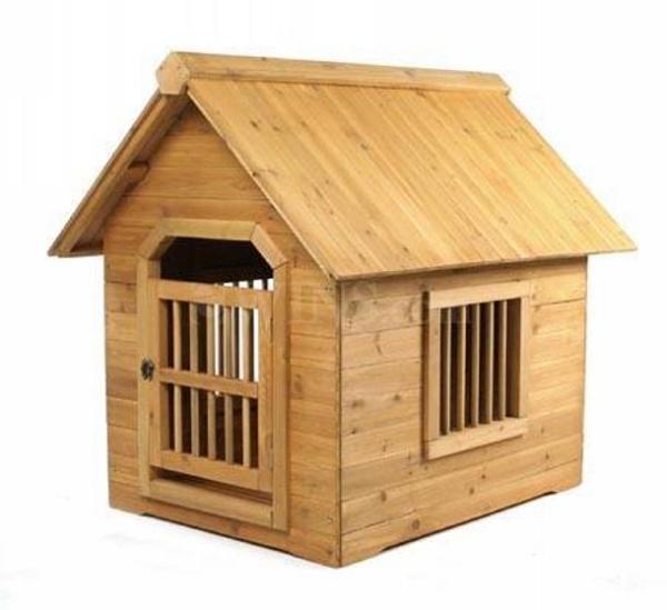 Easy pallet dog house