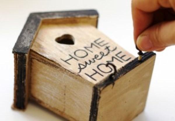 DIY Bird's House Key Holder