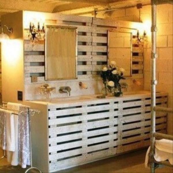 DIY Pallet Bathroom
