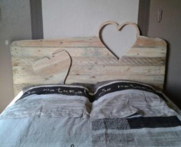 DIY Pallet Bed designs