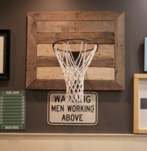 DIY Pallet Basketball Net Frame