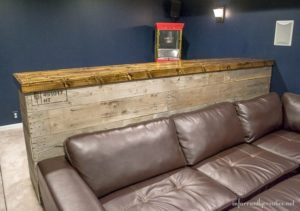 DIY Recycled wooden pallet furniture