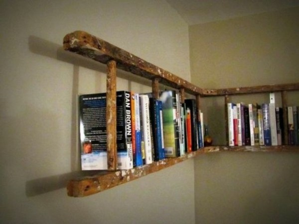 DIY Wooden ladder book shelves