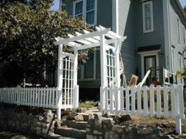 DIY White Modern Fence