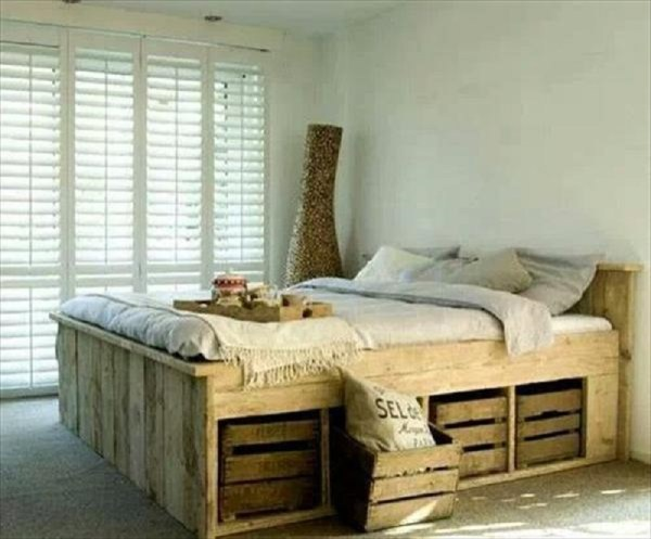 DIY bed out of pallets
