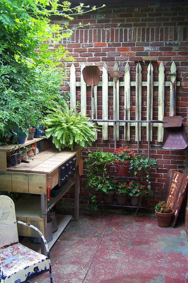 recycled wood rustic potting bench
