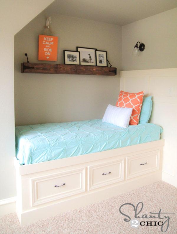 DIY bed with storage ideas