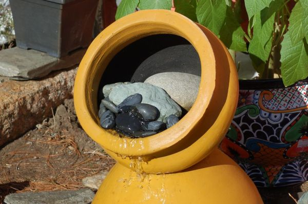 clay pot fountains DIY