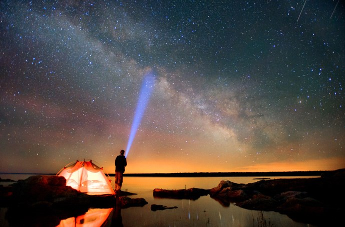 The-Best-Lighting-Sources-for-Camping