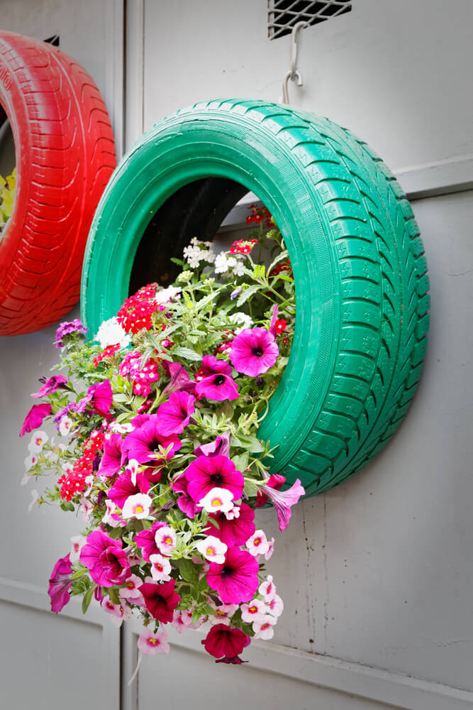 uses for old tires in garden