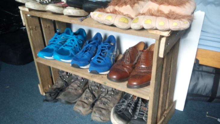 How to Make DIY Shoes Organizer from Pallets
