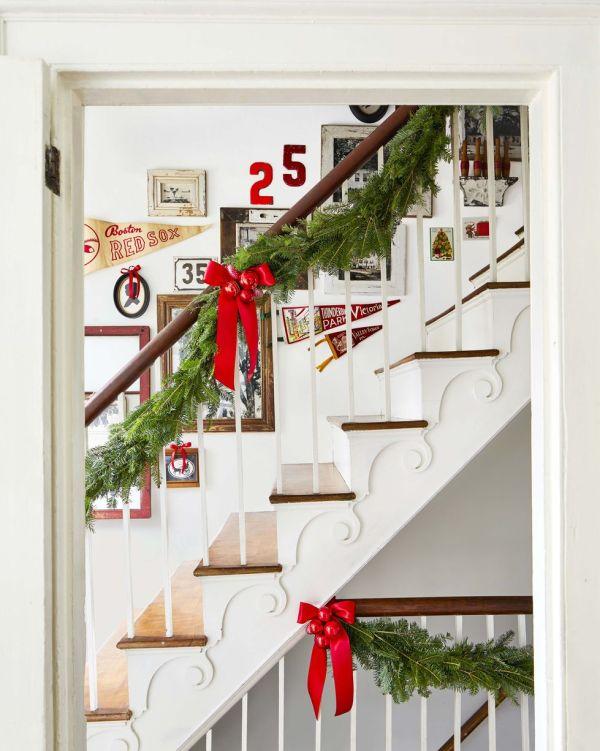 DIY Staircase Bows Christmas Decoration Plan
