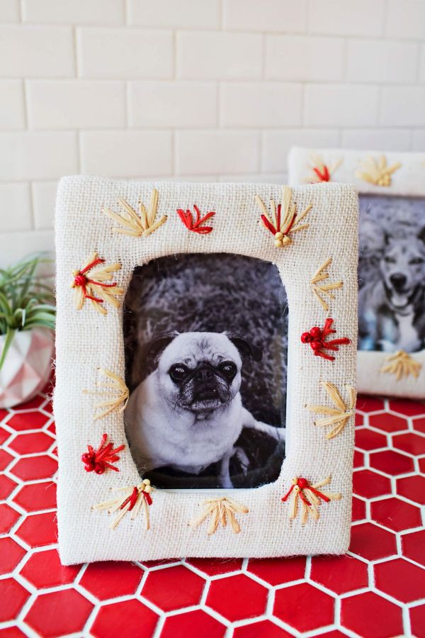 DIY Photo Frame with Embroidery