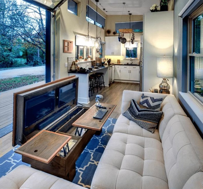 Spacious And Stylish Living Room Ideas For Tiny House