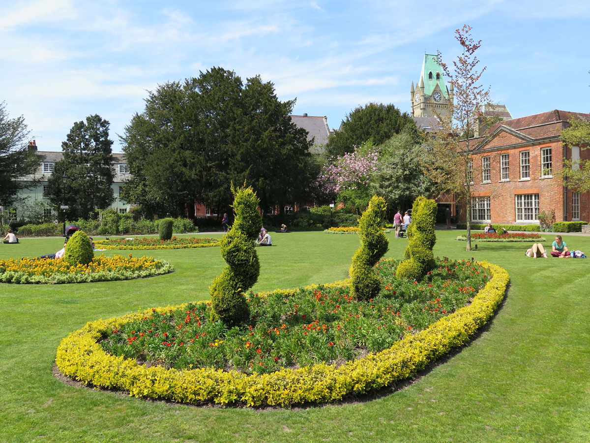 Abbey House and Gardens