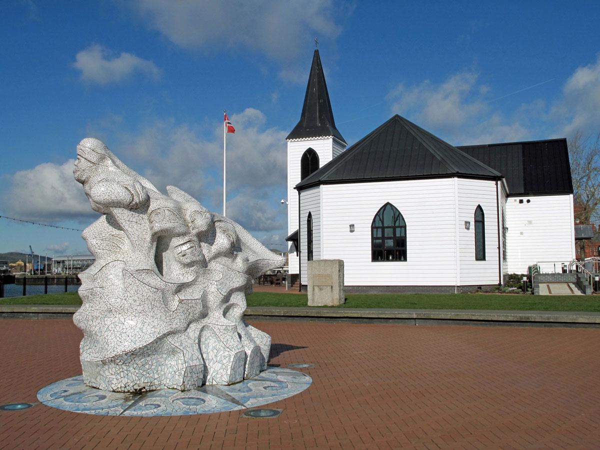 Scott's Antarctic Monument and the Norwegian Church