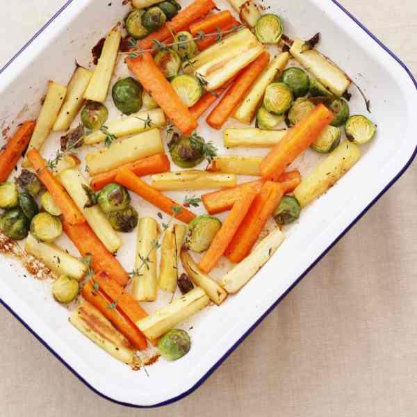 Easy Christmas Vegetable Traybake