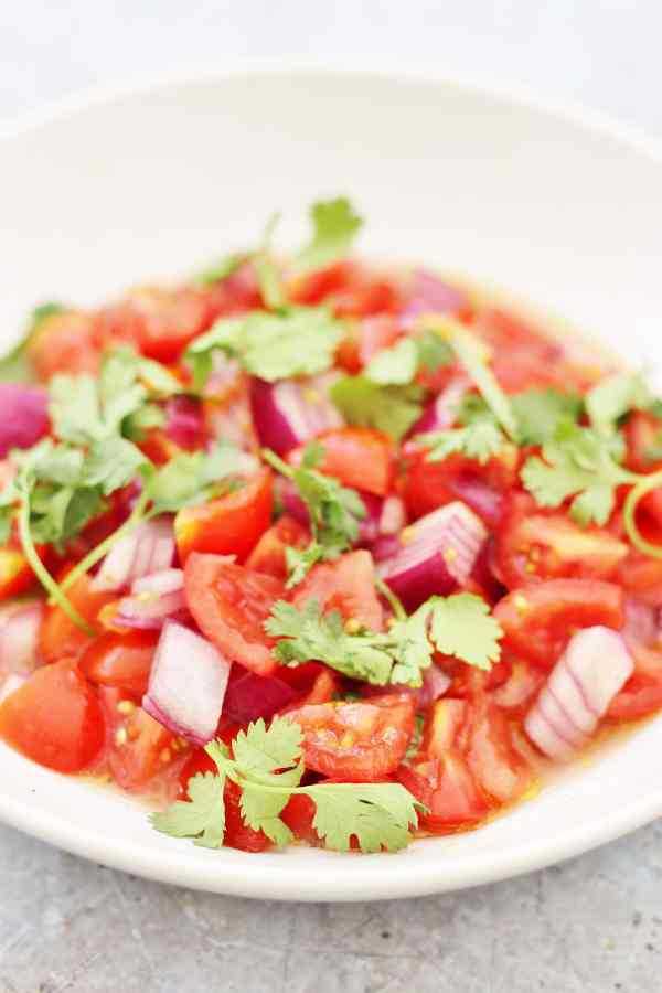 Easy Peasy Salsa Fresca (Pico de Gallo)
