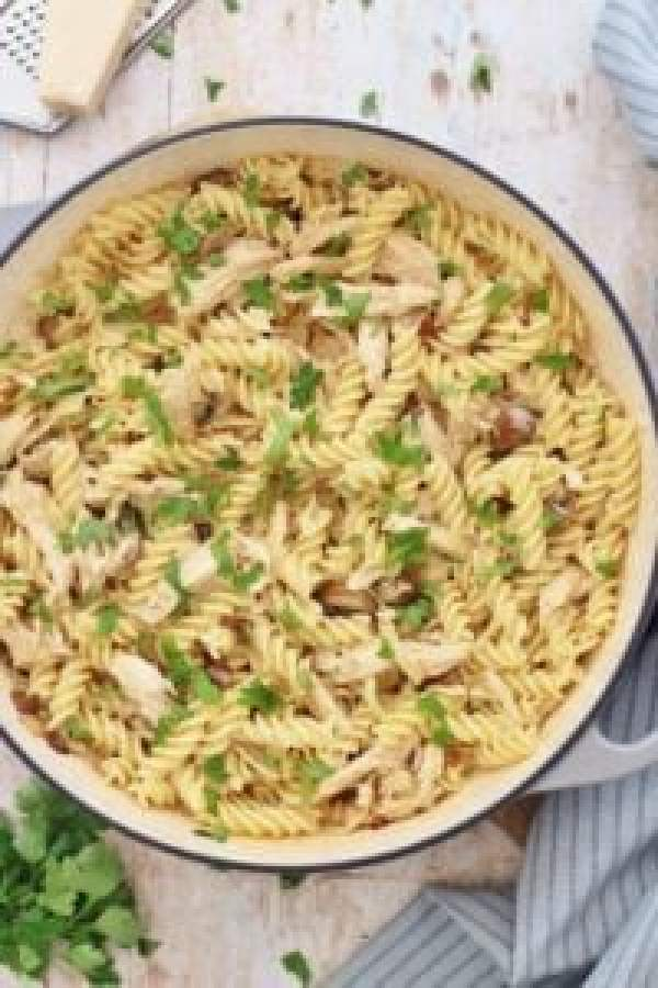 Creamy Leftover Turkey Pasta