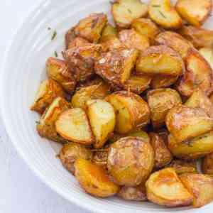 Roasted New Potatoes with Garlic and Rosemary