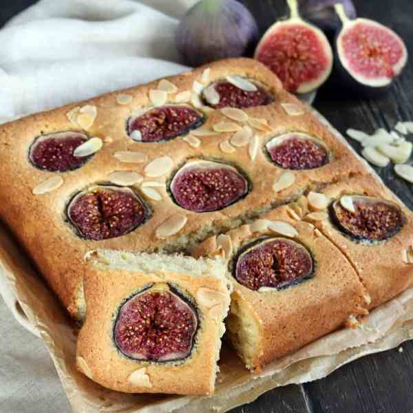 Fig and Almond Traybake