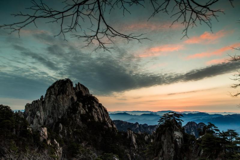China mountain trekking tour