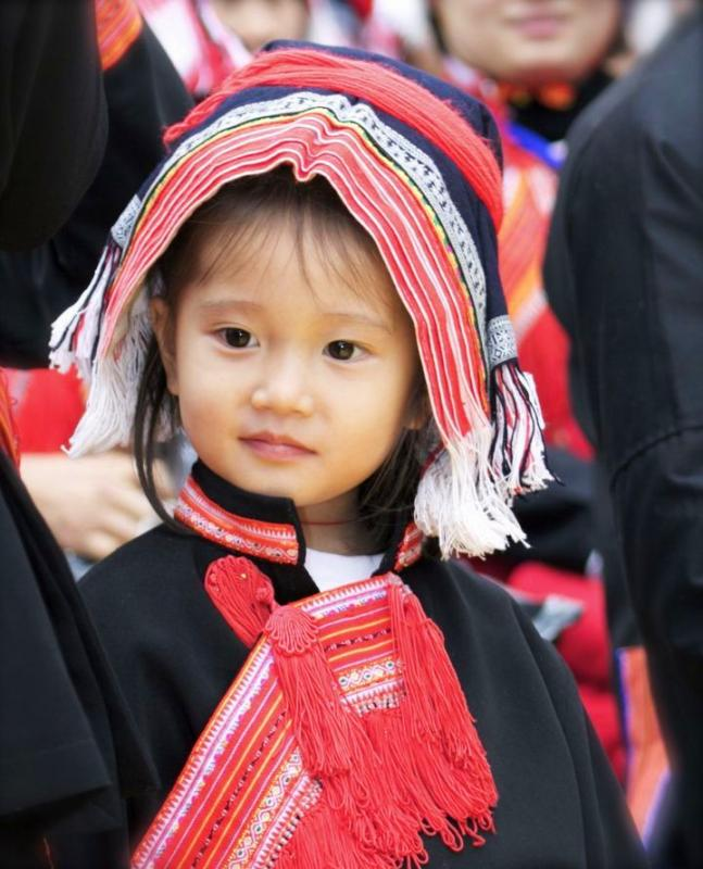 unique ethnic costumes