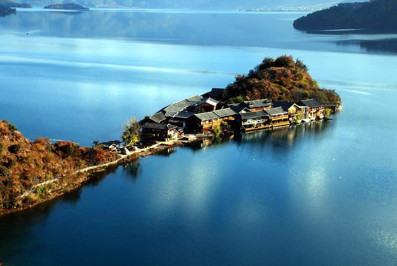 Lugu Lake vacations for newlyweds
