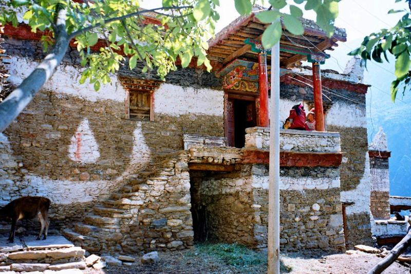 Tibetan villages adventures