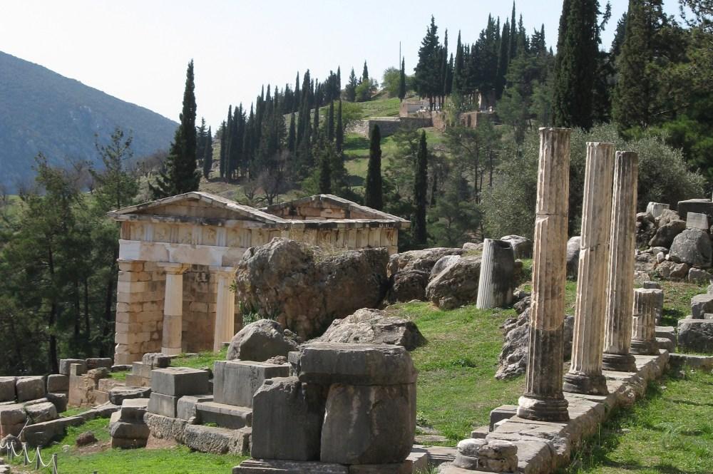 delphi_greece_arhcaeological_site_02
