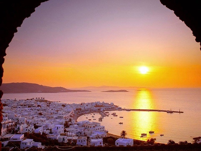 Mykonos_Myconos_Island_Greece_Sunrise