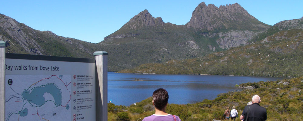 Walk Cradle Mountain and Dove Lake