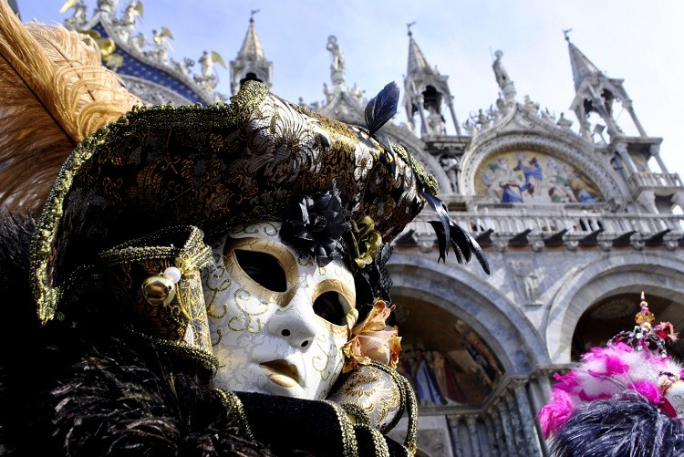 Carnevale in Italy: Traditions from North to South