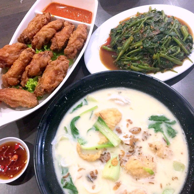 Xin Yuan Ji Fish Soup and Crispy Prawn Paste Chicken