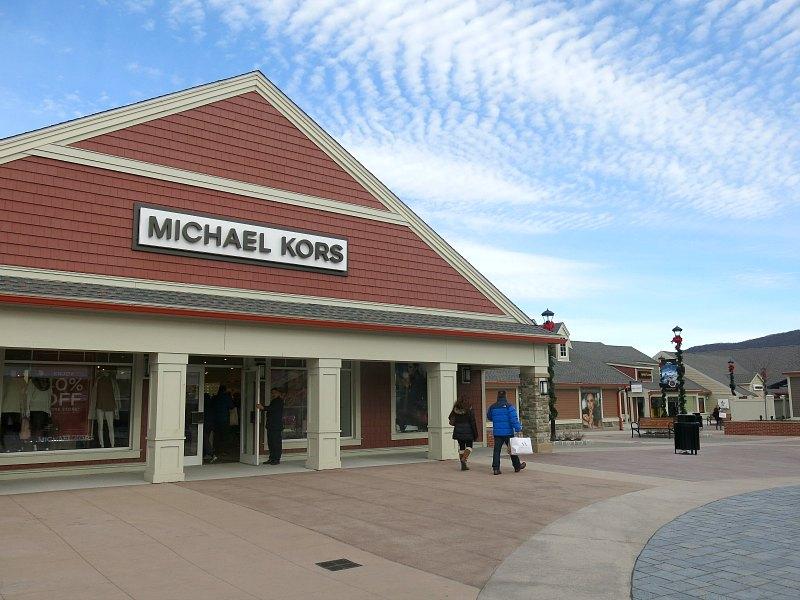 Michael kors outlet near nyc mkwholesale for Michael kors rockefeller center