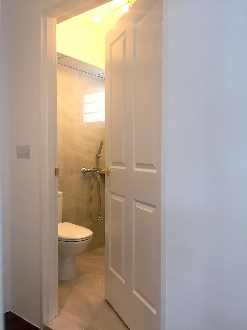 Common Toilet Door