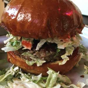 Rounds Way Burger in Pasadena