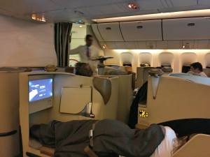 Etihad Business Class EY22 MAN AUH 777-300ER_18_layflat