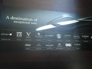 Hotel Review JW Marriott Marquis Dubai: dining sign