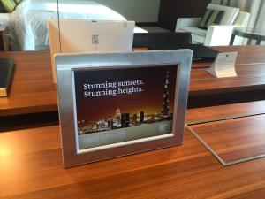 Hotel Review JW Marriott Marquis Dubai: electronic picture frame