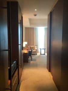 Hotel Review JW Marriott Marquis Dubai: Bedroom 1
