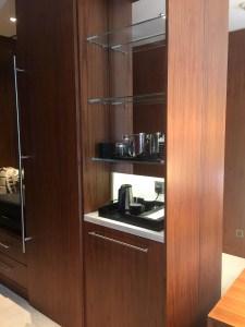 Hotel Review JW Marriott Marquis Dubai: minibar