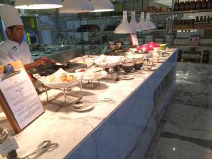 seasonal-tastes-westin-dubai-ahc-breakfast-i_egg-station