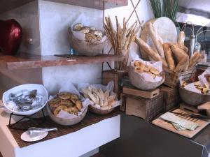 Movenpick JLT Nosh Brunch_Breads