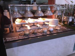 Movenpick JLT Nosh Brunch_Roast 2